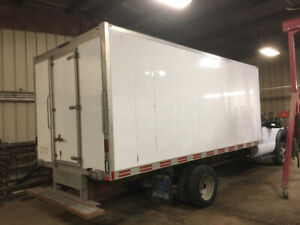 2013 ford 5500 cube truck