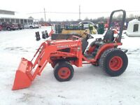 Kubota B1700 4WD diesel tractor with Mid mower and NEW Loader
