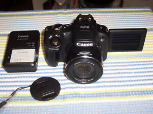 Lightly used Cannon Super Zoom Camera SX50 HS