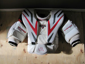 Vaughn Vision 9500 PRO Chest Protector - Adult Small Oakville / Halton Region Toronto (GTA) image 2