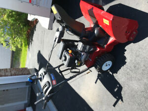 Toro Power Max Snowblower -Hardly Used, Mint Condition
