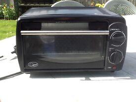 Mini oven/grill.