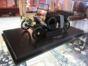 "Die Cast FORD MODEL ""T"" Scale 1:18 NEW!!"