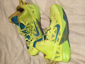 NIKE Hyperdunks good as new!!!