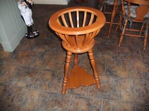 Roxton Maple Floor Plant Stand