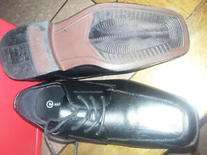 Boys dress shoes size 3 worn once