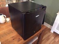 Cool zone counter top fridge (black)