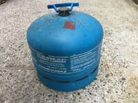 Camping gaz container