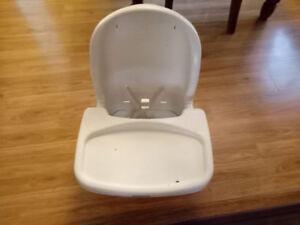 chaise haute, siège auto bébé