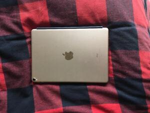 iPad Pro /10.5/Gold/64gb (Avec ou sans clavier)