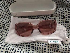 Women Oakley sunglasses