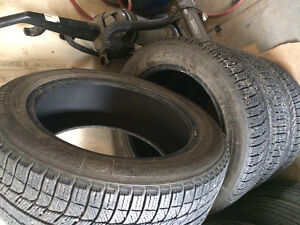 265/60r18 Michelin x-ice winter tires in excellent condition