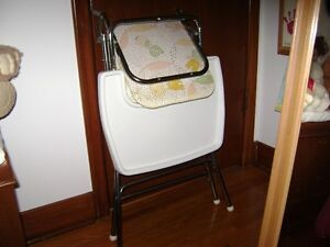 Folding High Chair Kitchener / Waterloo Kitchener Area image 3