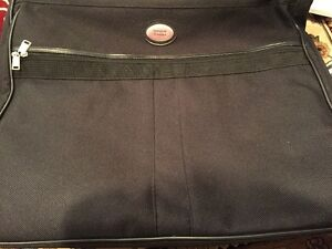 American Tourister - Travel Bag for Suits - Almost New
