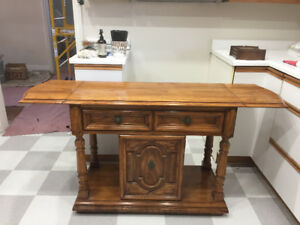 ** Full Size Oak Dining Room Set plus Credenza and Hutch **
