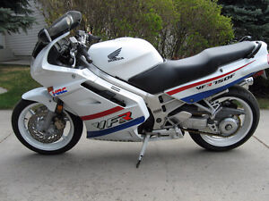 very nice condition Vfr-750 must be seen to appreciate