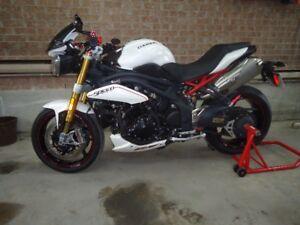 recherche moteur complet triumph speed triple 2011 A 2014
