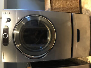 Samsung Electric Dryer with Pedestal