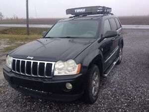 2005 Jeep Grand Cherokee AWD limited 5.7 Hemi. CUIR-TOIT-MAGS