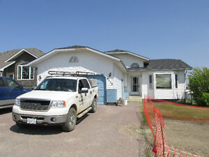 Desirable home in Saddleback - Peace River Home Sale!