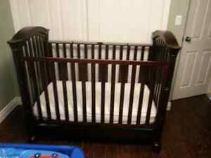 Crib 3 n 1 solid wood