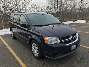 2013 Dodge Caravan **Clean Carproof Propagne Installed**