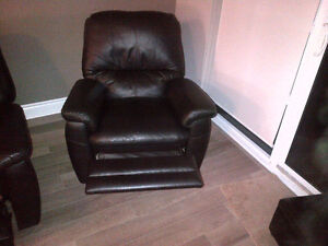 **FOR SALE | 3-Piece Leather Recliner Sofa Set ! London Ontario image 6