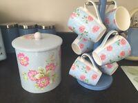 Mugs & biscuit tin