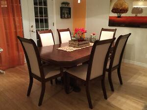 Table de cuisine et chaises Saguenay Saguenay-Lac-Saint-Jean image 1