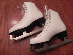 Girl's CCM Finessse Figure Skates