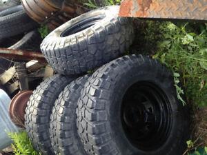 32x11.5r15 bfg km2's on 15x8 d window steel wheels.