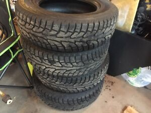 Hankook I-Pike Winter Tires 215/70/16