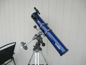 114mm x 900mm Reflector Telescope with EQ3 Mount