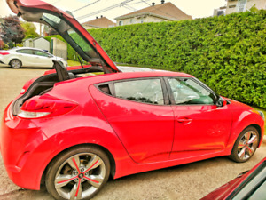 2013 Hyundai Veloster Tech Package CLEAN- ONE FEMALE DRIVER ONLY