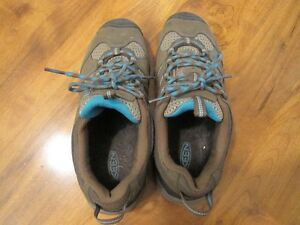 KEEN running Shoes Size 8 - never worn