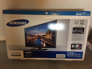 Sumsung LED TV 28'' Almost new