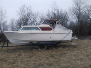 1974 25' Boat and 2000 trailer for sale