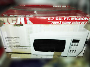RCA 0.7 cu. ft. Microwave