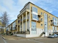 1 bedroom flat in Queen of Denmark Court, Surrey Quays SE16