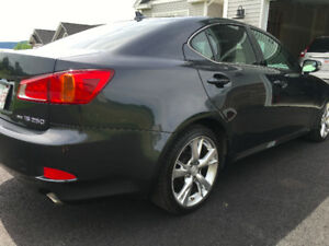 2009 Lexus IS 250 AWD,Nav,Back Up Cam AWD