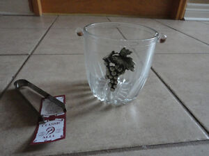Brand new in box Italian glass ice bucket with tongs London Ontario image 6