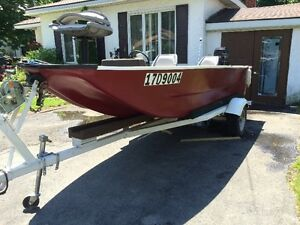 16'ft fifhing boat with trailer and mercury 500 50hp motor.