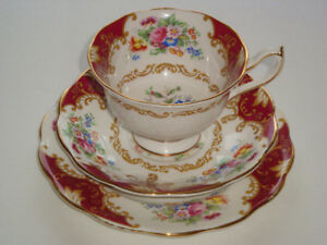 Selection Royal Albert China in the CANTERBURY Pattern