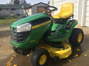 RIDING LAWN TRACTOR: JOHN DEERE D 120 WITH LAWN SWEEP