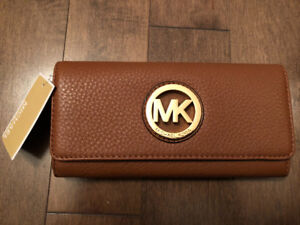 MICHAEL KORS FULTON LUGGAGE FLAP CONTINENTEL LEATHER WALLET