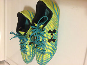 Baseball / Soccer cleats  Under Armour Girls like new
