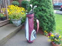 Women's Right Hand 7-pc Golf Clubs Set (Northwestern) & Bag