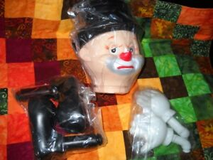 Five Sets of Clown Doll Heads