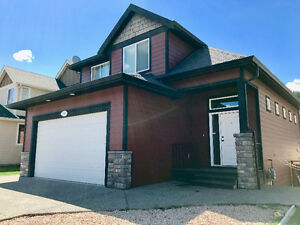 Full Modern Pineview Home for Rent JULY 1