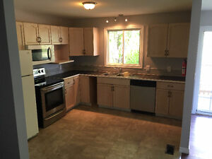 1 Room available in 6 Bedroom / 2 Bath home, recently renovated Belleville Belleville Area image 2